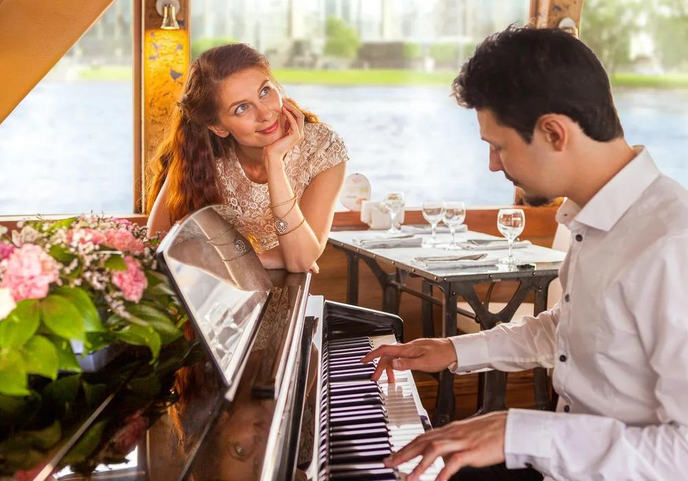Романтический вечер на теплоходе