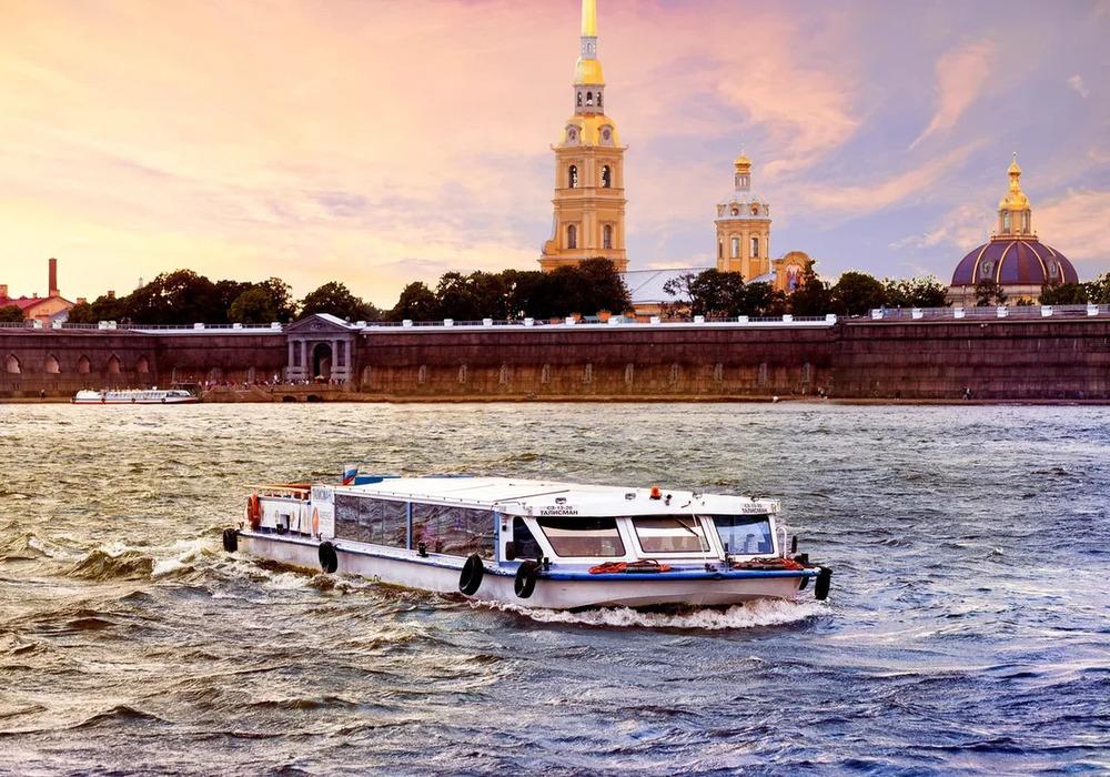 """Экскурсия на теплоходе """"Истории разводных мостов"""" в СПб"""