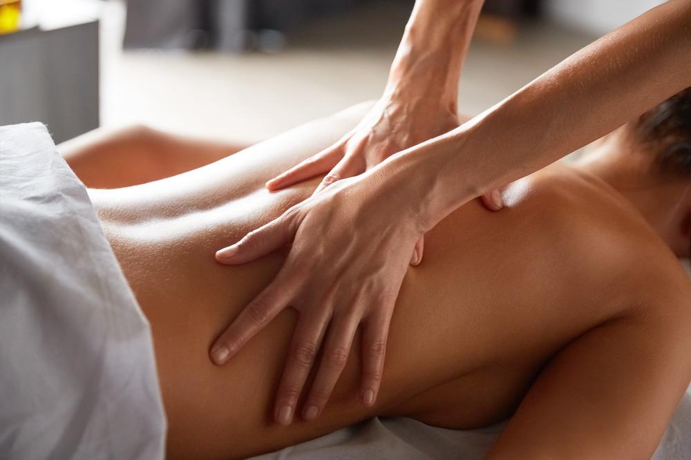 Масляный массаж с аргановым маслом в СПб