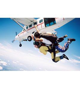 Прыжок с парашютом в СПб