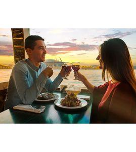 Романтический ужин на теплоходе
