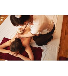 Традиционный тайский массаж с травяными мешочками «Дыхание Сиама»